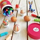 🐣 Ešte nemáte ozdobené veľkonočné vajíčka? 🐰 Vyskúšajte naše pastelky a pôjde to jedna radosť. 😉 . . . #byrory #velkanoc #pastelky #voskovky #malovanie #kreativnehracky #kreslenie #umyvatelnevoskovky #malovanievajicok #domasdetmi #hrypredeti #predeti #hrackarstvo #detskysvet #detskyobchod #zabavasdetmi #farbicky #detskepastelky